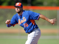 Image: Tebow goes deep