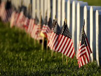 NFL players honor fallen soldiers on Memorial Day thumbnail
