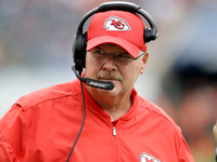 Andy Reid signs contract extension with Chiefs