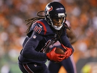 Bill O'Brien: NFL 'knows' Texans throwing to Hopkins