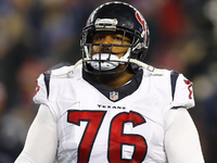 Texans left tackle Duane Brown ends lengthy holdout