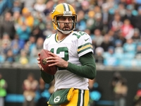 Packers place Aaron Rodgers back on injured reserve