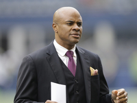 Texans hire firm to find Rick Smith replacement at GM