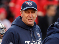 Mike Mularkey, Titans negotiating contract extension
