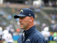 Gus Bradley returning to Chargers under new contract