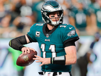 Eagles QB Carson Wentz cleared for eleven-on-eleven drills thumbnail