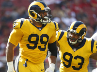 Donald's four sacks lead Rams' dominance of 49ers thumbnail