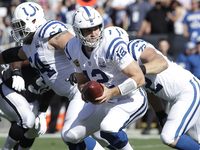 Colts' Andrew Luck throwing 'heck out of the ball' thumbnail