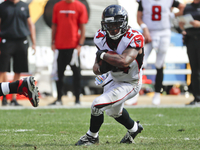 Falcons' Devonta Freeman healthy and 'having fun' thumbnail