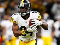 Steelers president open to trading WR Antonio Brown thumbnail