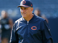 Vic Fangio voted 2018 Assistant Coach of the Year thumbnail