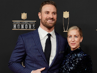 Chris Long named Walter Payton Man of the Year thumbnail