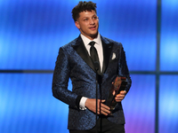 Patrick Mahomes named NFL Offensive Player of Year thumbnail