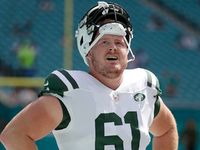 Jets release center Spencer Long after just one season thumbnail