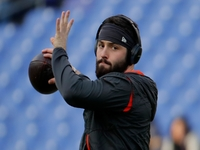 'Alpha male' Mayfield helped attract top assistants thumbnail
