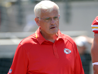 Falcons add ex-Chiefs DC Bob Sutton as an assistant thumbnail