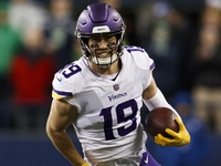 Thielen's agent 'cautiously optimistic' about new deal thumbnail