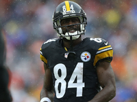 Steelers GM: 3 teams have asked about Antonio Brown thumbnail