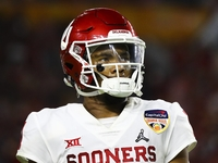 Kyler Murray reiterates commitment to play football thumbnail
