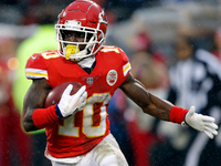 Chiefs working on record-setting deal for Tyreek Hill thumbnail