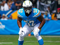 Chargers keep Denzel Perryman on 2-year contract thumbnail