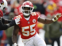 Packers, 49ers express interest in Chiefs LB Dee Ford thumbnail