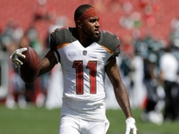 Buccaneers reportedly shopping WR DeSean Jackson thumbnail
