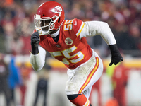 Chiefs expected to trade pass-rusher Dee Ford to 49ers thumbnail