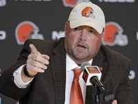 Dorsey: Freddie Kitchens will hold players accountable thumbnail