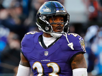 Tony Jefferson: 'You can sleep if you want' on Ravens thumbnail