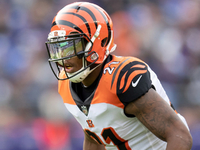 Bengals re-signing slot cornerback Darqueze Dennard thumbnail