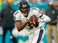 Ravens re-sign QB Robert Griffin III to back up Jackson thumbnail