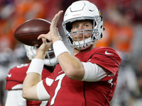 Mike Glennon signs with Raiders to back up Carr thumbnail