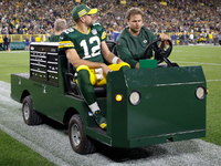 Aaron Rodgers details tibial fracture, concussion in '18 thumbnail