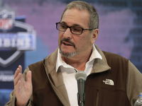 Giants GM Gettleman: 'I'm not going to force a pick' thumbnail