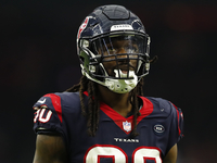 Texans GM: Long-term deal for Clowney 'still the plan' thumbnail