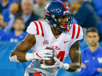 Seahawks snag Ole Miss receiver D.K. Metcalf thumbnail