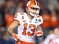 Oakland Raiders select Clemson WR Hunter Renfrow thumbnail