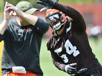 Olivier Vernon 'ready to get it rolling' with Browns thumbnail