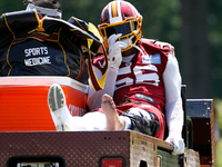 Redskins' Reuben Foster carted off with left leg injury thumbnail