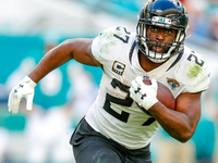 Jags OC: 'Fournette needs to be a big part' of offense thumbnail