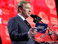 NFL awards 2021, 2023 drafts to Cleveland, Kansas City thumbnail