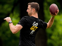 Alex Smith makes appearance at Redskins' OTAs thumbnail