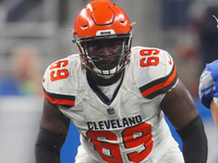 Browns release former starting LT Desmond Harrison thumbnail