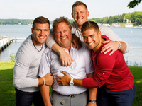 Dads all around the NFL celebrate Father's Day thumbnail