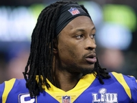 Gurley's trainer confirms 'arthritic component' to knee thumbnail