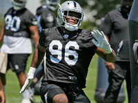 Raiders sign first-round defensive end Clelin Ferrell thumbnail