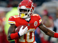Tyreek Hill to meet with NFL investigators this week thumbnail