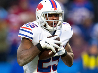Bills prepared for crowded backfield at training camp thumbnail