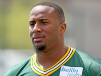 Lions finalize deal with ex-Packers DL Mike Daniels thumbnail